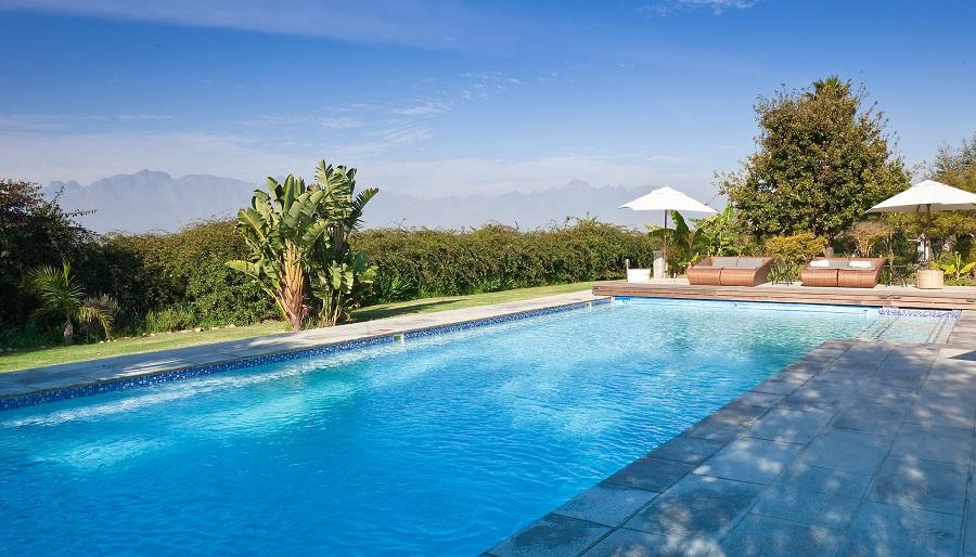 Consejos para remodelar y modernizar su piscina