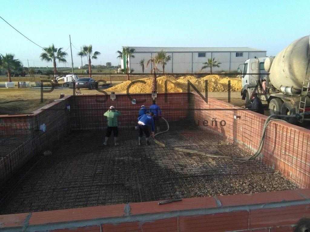 Construir una piscina de hormigón